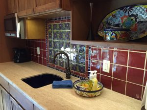 Kitchenette Backsplash3